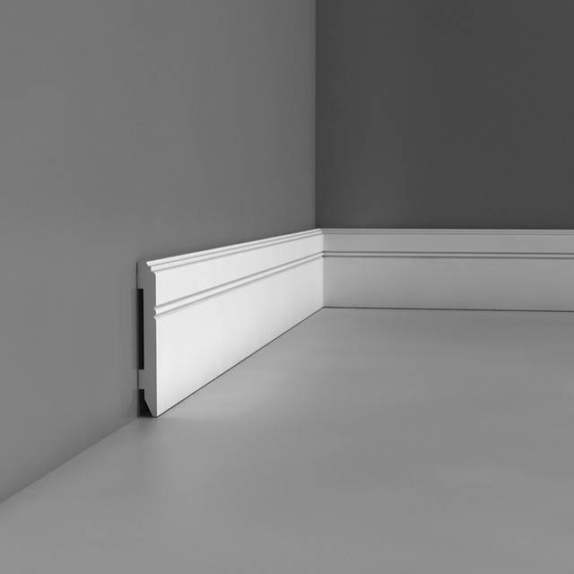 Orac decor flex baseboard luxxus flexible baseboard for Moulure pvc fenetre